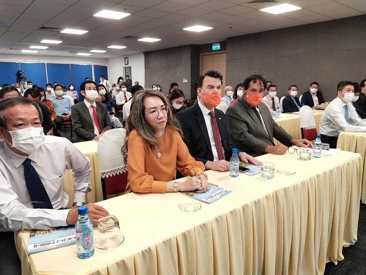 Kỉ niệm  48 năm thiết lập quan hệ ngoại giao Việt Nam - Hà Lan
