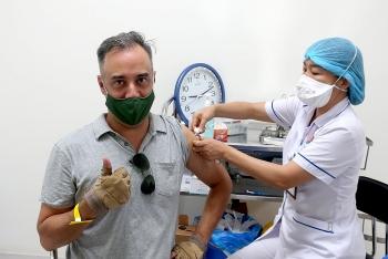 Tiêm vaccine ngừa COVID-19 cho hơn 1.000 cán bộ nhân viên tổ chức PCPNN tại Việt Nam