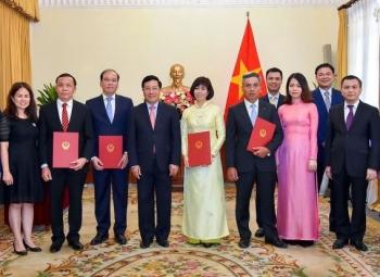 Phó Thủ tướng trao quyết định bổ nhiệm 4 tân Đại sứ, Tổng Lãnh sự