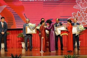 Chủ tịch VUFO Nguyễn Phương Nga nhận Huân chương Lao động Hạng 3 vì những đóng góp cho ngành ngoại giao