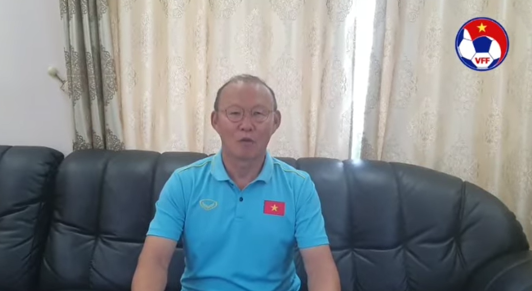 video hlv park hang seo gui loi chuc mung nam moi bang tieng viet