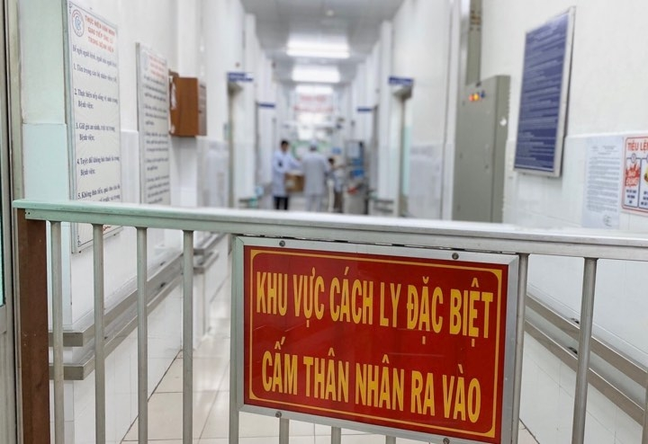 hai nguoi trung quoc nhiem virus corona moi di tren chuyen bay chuyen tau nao