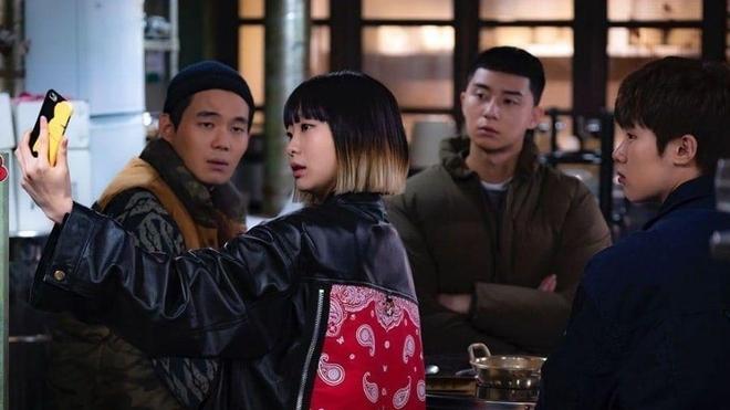 5 su that thu vi cua phim itaewon class khien khan gia ngo ngang