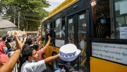 Myanmar thả 25.000 tù nhân vì lo ngại COVID-19