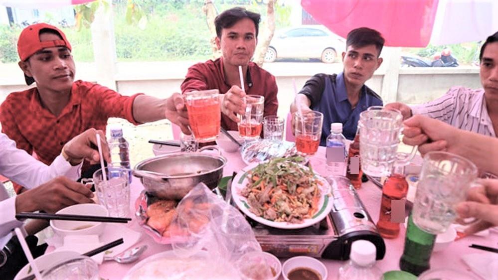 dam cuoi khong ruou bia khach uong nuoc ngot nuoc khoang o binh phuoc