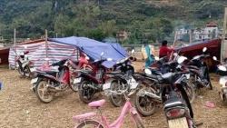 """Cao Bằng: Động đất liên tục, người dân ra đồng dựng lán trại """"dã chiến"""""""