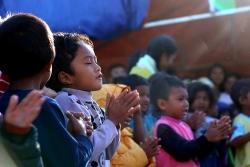 """Tình nguyện """"gieo mầm hạnh phúc"""" cho trẻ em dân tộc thiểu số tại Lâm Đồng"""