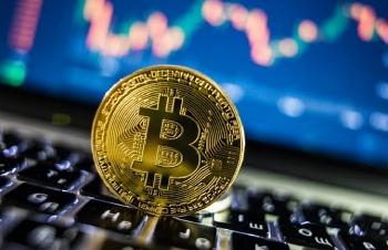 Bitcoin xác lập kỷ lục mới vượt mức giá 60.000 USD
