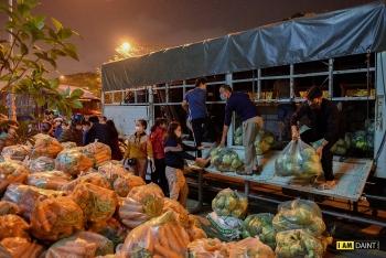 Giải cứu nông sản Hải Dương: Tấp nập người mua suốt đêm