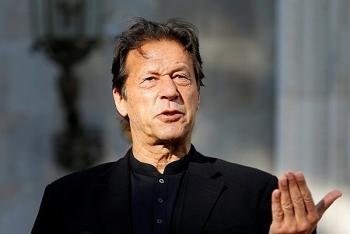 Thủ tướng Pakistan mắc Covid-19 sau hai ngày tiêm vaccine Trung Quốc
