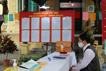Hà Nội tràn ngập băng rôn, biểu ngữ chào mừng bầu cử đại biểu Quốc hội khóa XV và đại biểu HĐND các cấp nhiệm kỳ 2021-2026