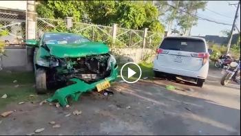 Nghẹt thở cảnh bắt đối tượng dùng kéo khống chế tài xế cướp taxi