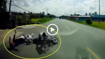 Ngã vào gầm ô tô tử vong sau va chạm giữa 2 xe máy