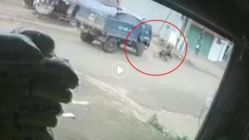 Xe tải sang đường ẩu đâm 2 người đi xe máy thương nặng