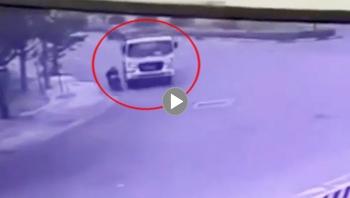 Vào cua ẩu, xe ben tông trúng người đàn ông đi xe máy