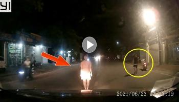 Cãi nhau với người yêu, cô gái quay ra đường chặn đầu xe ô tô