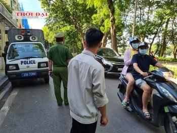 Đẩy mạnh xử phạt không đeo khẩu trang trong phố cổ