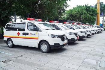 Phó Thủ tướng giao bộ, địa phương chủ động quyết định tiếp nhận tài trợ xe cứu thương phòng, chống dịch bệnh
