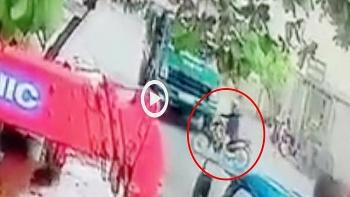 Sang đường bất cẩn, người đàn ông bị xe ben cán tử vong