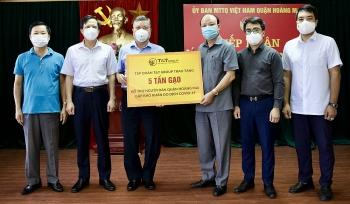 T&T Group và Ngân hàng SHB trao tặng 10 tấn gạo hỗ trợ quận Hoàng Mai, Hà Nội chống dịch