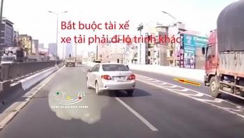 """Xe 5 chỗ đánh lái khiến tài xế xe tải phải thay đổi lộ trình để """"né"""" va chạm"""