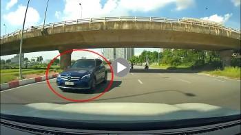 Lợi dụng giãn cách, tài xế xe sang thản nhiên phóng ngược chiều