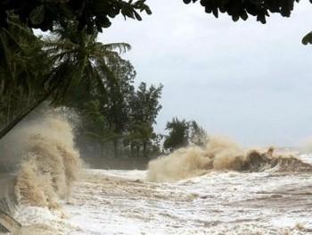 Vùng áp thấp trên Biển Đông tiếp tục mạnh lên, khả năng cao sẽ thành bão