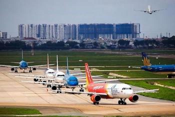 Khách đi máy bay từ TP HCM đến Hà Nội phải cách ly tập trung 7 ngày