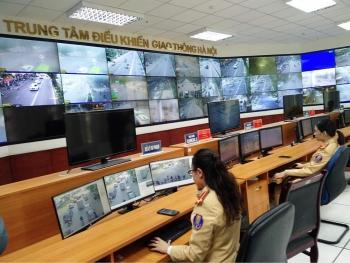 CSGT Hà Nội sẽ dán thông báo phạt nguội trên kính xe ô tô vi phạm dừng đỗ trên đường