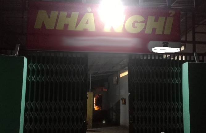 bac giang sat hai mot phu nu trong nha nghi roi uong thuoc diet co tu van