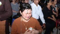 Vu lan báo hiếu: Xúc động với nghi lễ Bông hồng cài áo