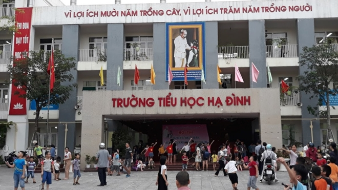 vu chay cong ty rang dong nguoi dan rao ban nha phu huynh muon con nghi hoc