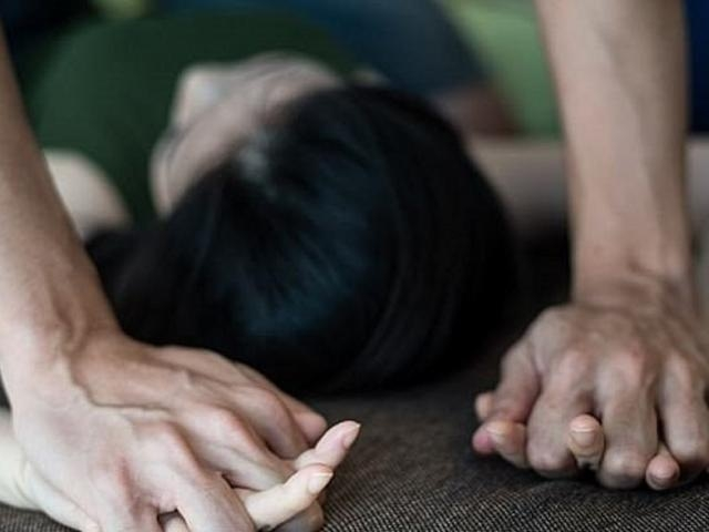 tphcm thieu nu to bi thay giao day yoga nguoi an do hiep dam