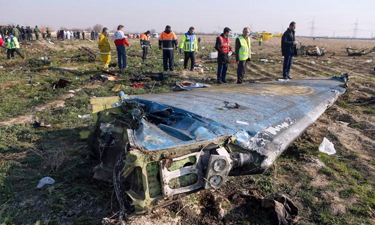 ukraine boi thuong hon 8000 usd cho moi gia dinh nan nhan trong vu tai nan may bay o iran