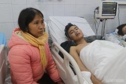 3 chiến sĩ PCCC ngất xỉu khi nhường mặt nạ dưỡng khí cho người dân trong đám cháy ở Thanh Hoá