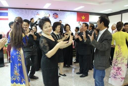 vinh danh nhung cau noi cua tinh huu nghi viet nam thai lan