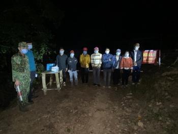 Điện Biên: Bắt giữ 8 đối tượng người Lào có hành vi xuất cảnh trái phép