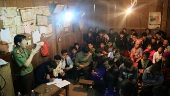 Nậm Pồ (Điện Biên) phát triển đảng viên vùng có đạo