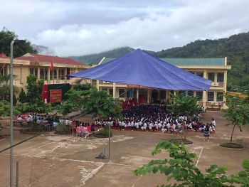 Huyện nghèo biên giới sẵn sàng cho năm học mới