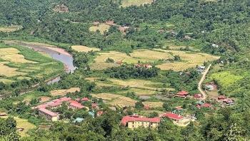 Điện Biên: Điện về với bản nghèo vùng biên