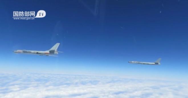 Báo Trung Quốc ngang ngược khoe máy bay ném bom trong cuộc tập trận ở Biển Đông