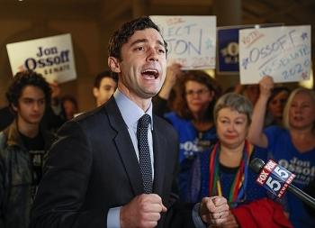 Đảng Dân chủ được xướng tên chiến thắng, giành lại quyền kiểm soát Thượng viện từ phe Cộng hòa