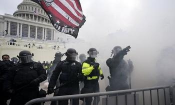 FBI cảnh báo Mỹ sẽ chìm trong các cuộc biểu tình