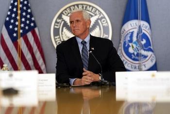 Ông Mike Pence đã gọi điện cho người kế nhiệm Kamala Harris để gửi lời chúc mừng