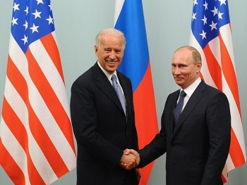 Tổng thống Putin và người đồng cấp Joe Biden nói gì trong cuộc điện đàm đầu tiên?