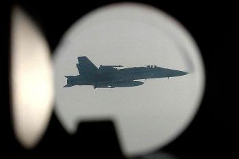"""Điều cùng lúc 5 máy bay trinh sát đến gần biên giới Nga, NATO muốn """"khiêu khích""""?"""