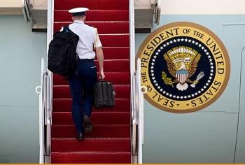 30 Nghị sĩ phe Dân chủ bất ngờ đề nghị Tổng thống Biden từ bỏ đặc quyền tấn công hạt nhân