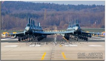 """Không quân Đức trình diễn màn """"voi đi bộ"""" với 18 chiến đấu cơ Eurofighter"""