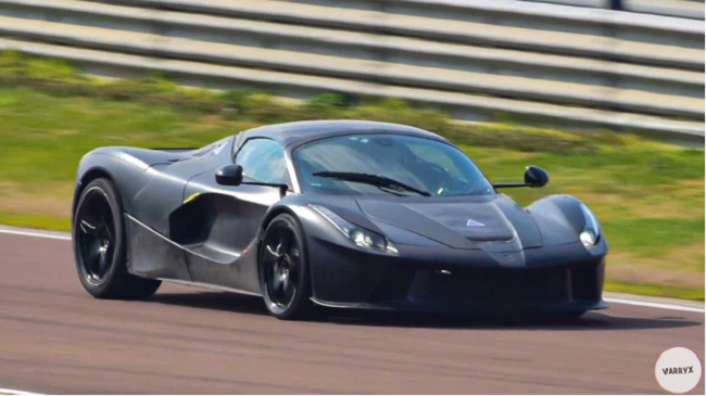Video: Siêu xe hybrid đời mới của Ferrari lần đầu lộ diện