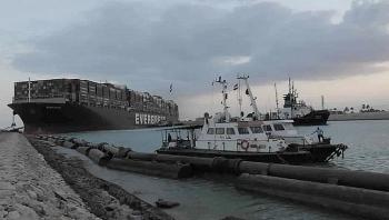 Thêm 2 tàu lai dắt được điều động để giải cứu tàu Ever Given đang mắc kẹt ở Suez